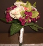 Burgundy/green bouquet for rental